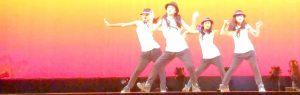 ステージでダンス